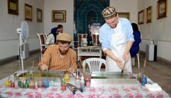 Müslüman olan Avusturyalılar, Türk-İslam kültürünü öğreniyor