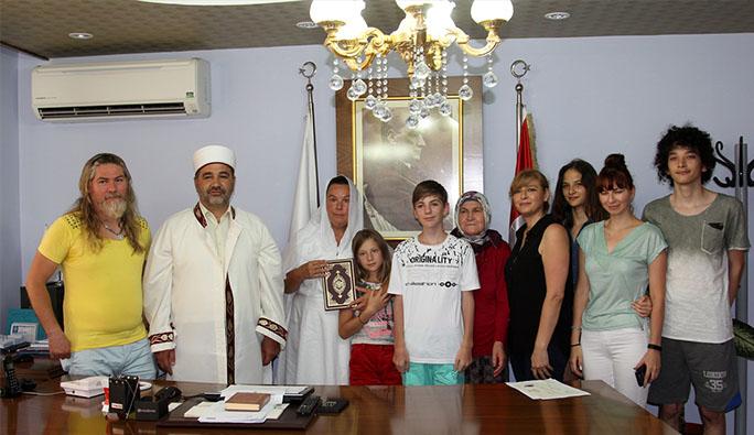 Alman kadın Mersin'de Müslüman oldu