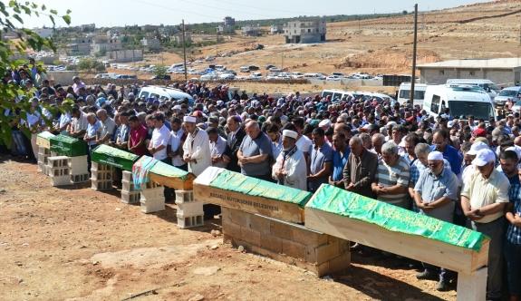 Kazada hayatlarını kaybeden 6 gurbetçi toprağa verildi