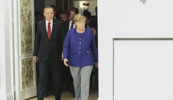Kriz büyüyor: Erdoğan'dan Almanya'daki Türklere çağrı