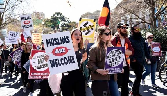 Avustralya'da ırkçılık karşıtı gösteri