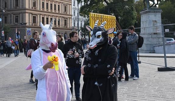 Viyana'da 'Burka Yasağı'na Protesto