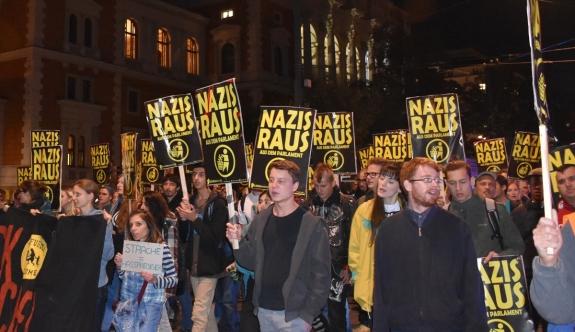 Viyana'da aşırı sağcı parti protesto edildi