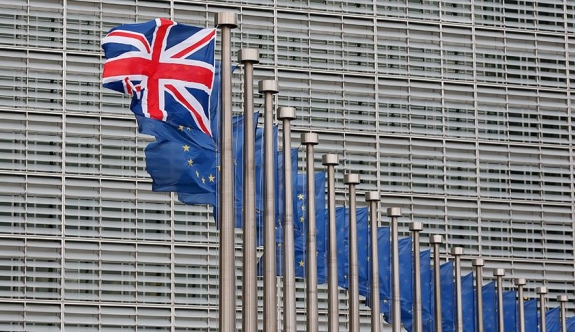 İngiltere AB'den boşanmak için 260 milyar Sterlin ödeyecek