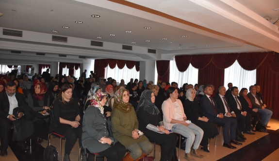 """Viyana'da """"Savaş ve Kadın"""" konferansı"""