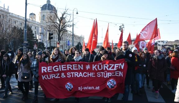Viyana'da ÖVP-FPÖ koalisyonuna karşı protesto