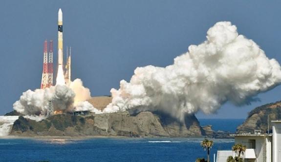 7. istihbarat uydusunu uzaya fırlattı