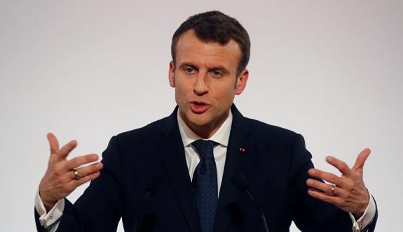 Macron, Fransa'daki İslam'ı yeniden yapılandıracak