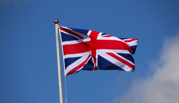 İngiltere Türklere süresiz oturumu kaldırdı!