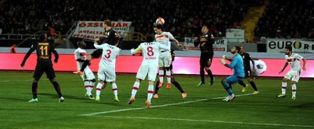 ''Galatasaray'a Soğuk Duş''