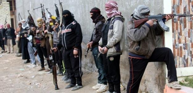 IŞİD 180 bin insanı daha yerinden etti
