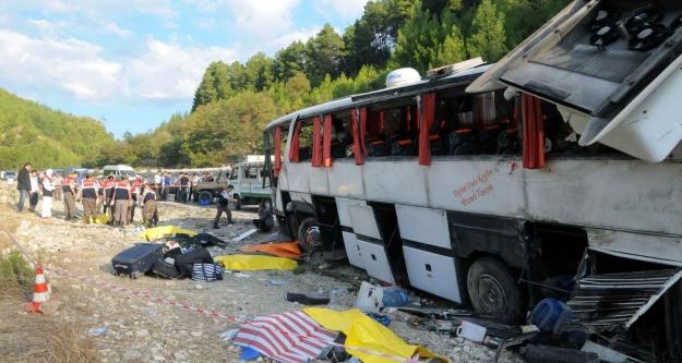 Katliam gibi kaza: 13 ölü