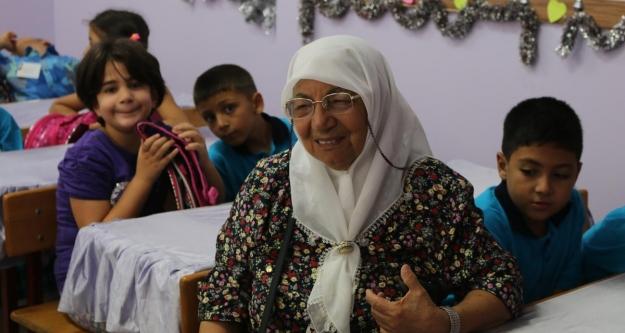 Mal varlıklarını eğitime adayan aile