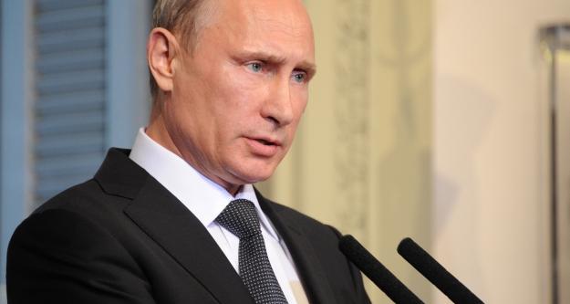 Putin: Petrolü düşürmek için ABD ve...
