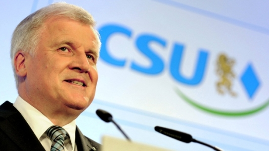 ''Seehofer, partisinin Bulgar ve Rumen göçmenler politikasını savundu''