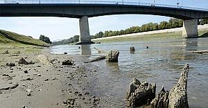 Sular çekilince kalıntıları...