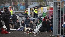İsveç polisi sığınmacıya...