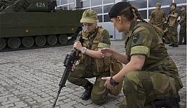 Kadınlara zorunlu askerlik...