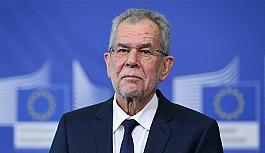 Avusturya Cumhurbaşkanı'ndan 'Başörtüsü'...