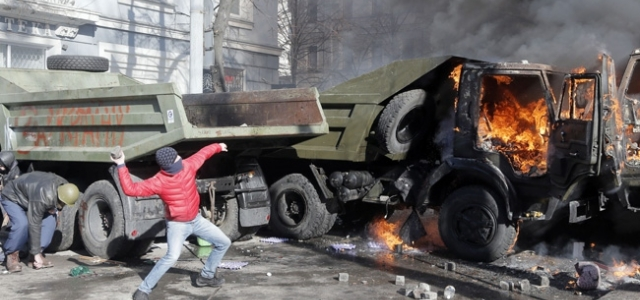 ''Ukrayna diken üstünde''