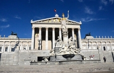 Avusturya'da FPÖ'lü iki bakanlık karşı karşıya geldi
