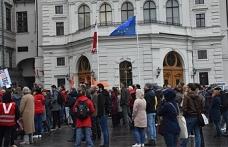 """Viyana'da protesto: """"izin vermeyeceğiz"""""""