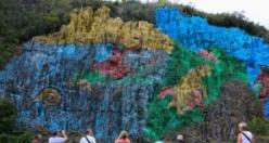 """Karayiplerin özgün """"turistik cenneti"""": Küba"""