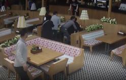 Video - Garsonun müdahalesi turistin hayatını kurtardı