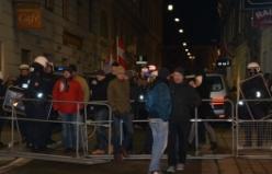 Viyana'da Karşıtları PEGIDA'ya geçit vermedi...VİDEO