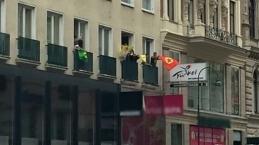 PKK yandaşları Viyana'da turizm ofisini bastı