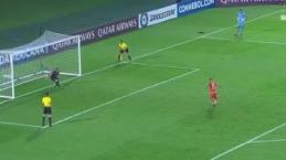 Penaltıyı kaçıran Brendix Parra, takımdan kovuldu