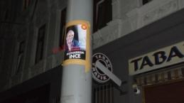 Viyana sokaklarında Muharrem İnce afişleri