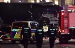 Almanya'da 'aşırı sağcı yabancı karşıtı' saldırgan aracını Suriye ve Afgan vatandaşlarının üzerine sürdü