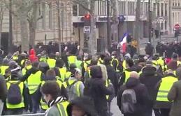 Fransa'dan OHAL sinyali