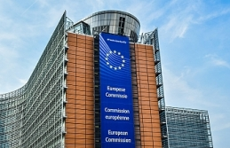 AB beş bankaya 'dövizde hile' suçundan 1 milyar euro para cezası kesti