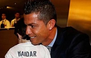 Cristiano Ronaldo'dan minik Haidar'a büyük...