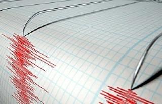 7.9 şiddetindeki deprem sonrası tsunami alarmı...
