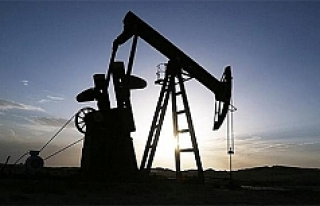 İran: Petrol üretimini sınırlama kararı gülünç