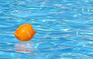 Viyana'daki yüzme havuzunda iğrenç olay