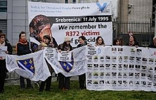 Bosna'da Karadzic protestosu
