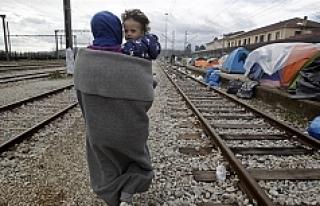 İdomeni'deki sığınmacılar alternatif kamplara...