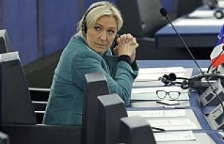 Le Pen de Panama listesinde