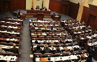 Makedonya'da geçici hükümet kuruldu