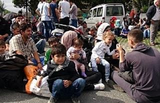 Suriyeli grup Türkiye'ye gönderildi