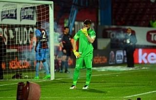 Trabzonspor-Fenerbahçe maçı 89. dakikada tatil...