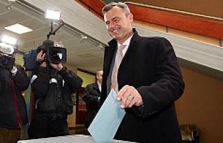 Avusturya Cumhurbaşkanı Adayına 'Biber Gazı'...