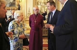 Cameron'un Kraliçe ile sohbeti mikrofona takıldı
