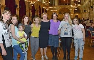Viyana'da 'Anne Almanca Öğreniyor'...