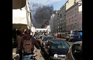 Viyana'da büyük yangın: Söndürme çalışmaları...