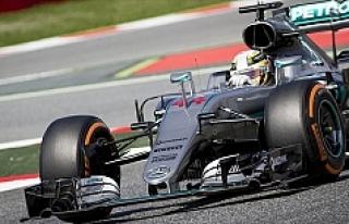 Avusturya Grand Prix'isinde kazanan Hamilton